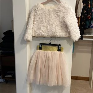 Pippa & Julie size 6 sweater & skirt